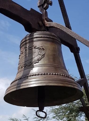 Il restauro della campana del Castello